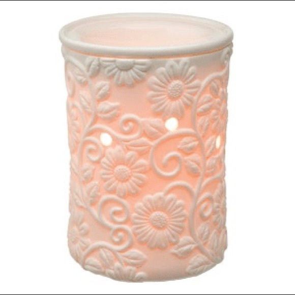 Scentsy Other - Flower Vine Deluxe Scentsy Warmer New In Box